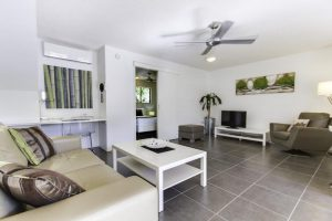 Noosa-Accommodation-Deluxe-Room (1)
